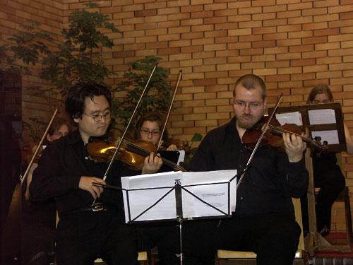 Elias Kim an der Geige
