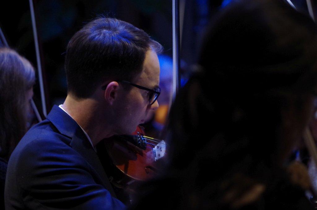 Alexander an der Geige